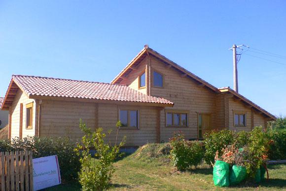 Bois massif naturellement bois constructeur de maison for Constructeur de maison en bois sud ouest