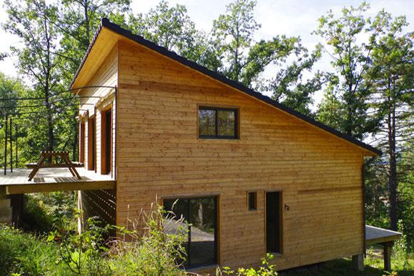Maison ossature bois naturellement bois constructeur de maison bois et extentions dans le for Maison bois sud ouest