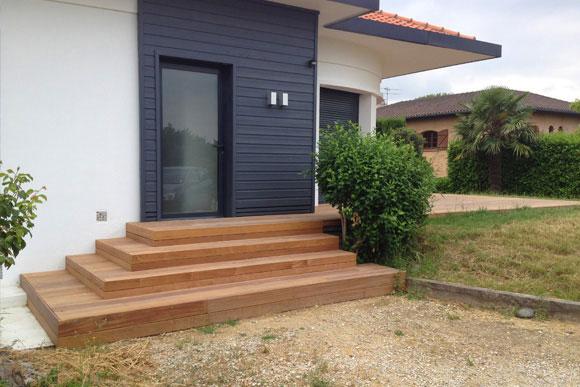 Terrasse naturellement bois constructeur de maison bois for Constructeur de maison en bois sud ouest
